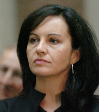 """Caroline Flint MP accused David Cameron of """"totally out of touch with millions of people and small businesses who are struggling with soaring energy bills"""""""